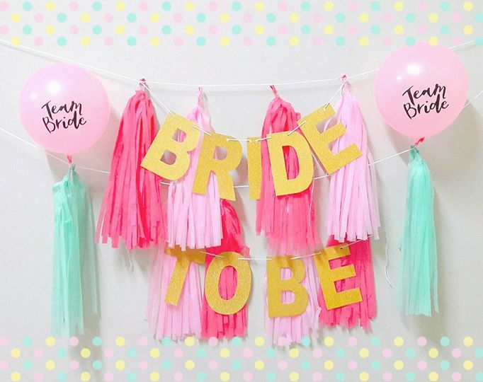 เซ็ทป้ายแขวน BRIDE TO BE + พู่กระดาษ Tassel (อุปกรณ์งานปาร์ตี้สละโสด Hen Night Party)