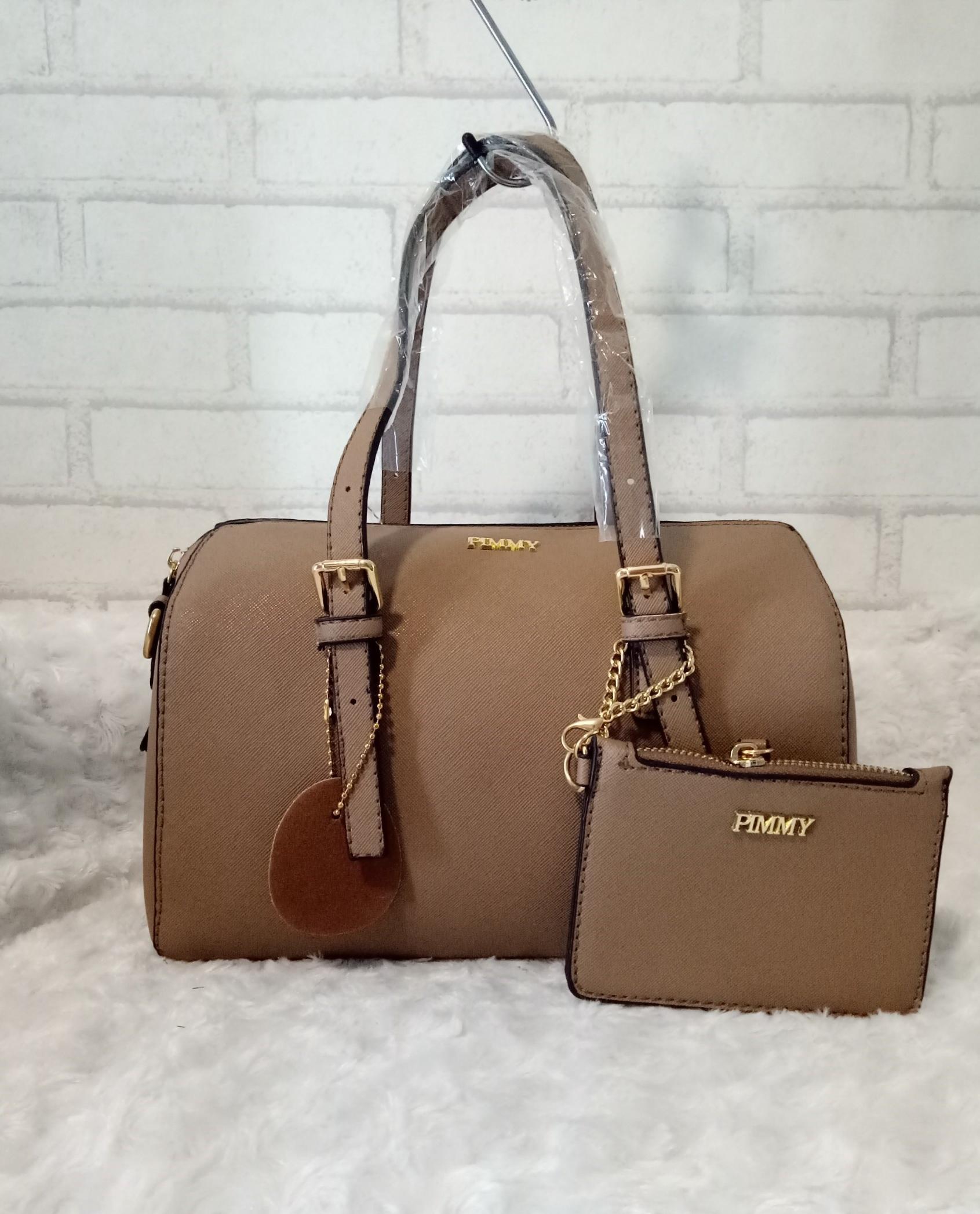 พิมมี่ทรงหมอน ขนาด 4.2*10*6.8 พร้อมกระเป๋าใยเล็ก สายสั้นสามารถปรับระดับได้ ด้านใน 1 ช่อง ตามสีกระเป๋า
