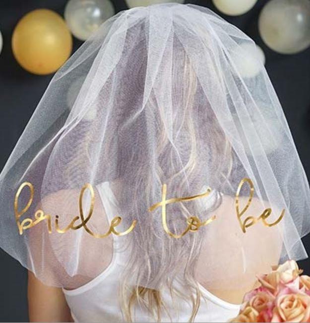 BRIDE TO BE Gold Foil Veil