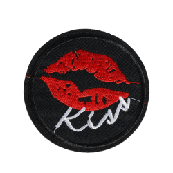 M0131 Kiss Patch 6.7x6.7cm